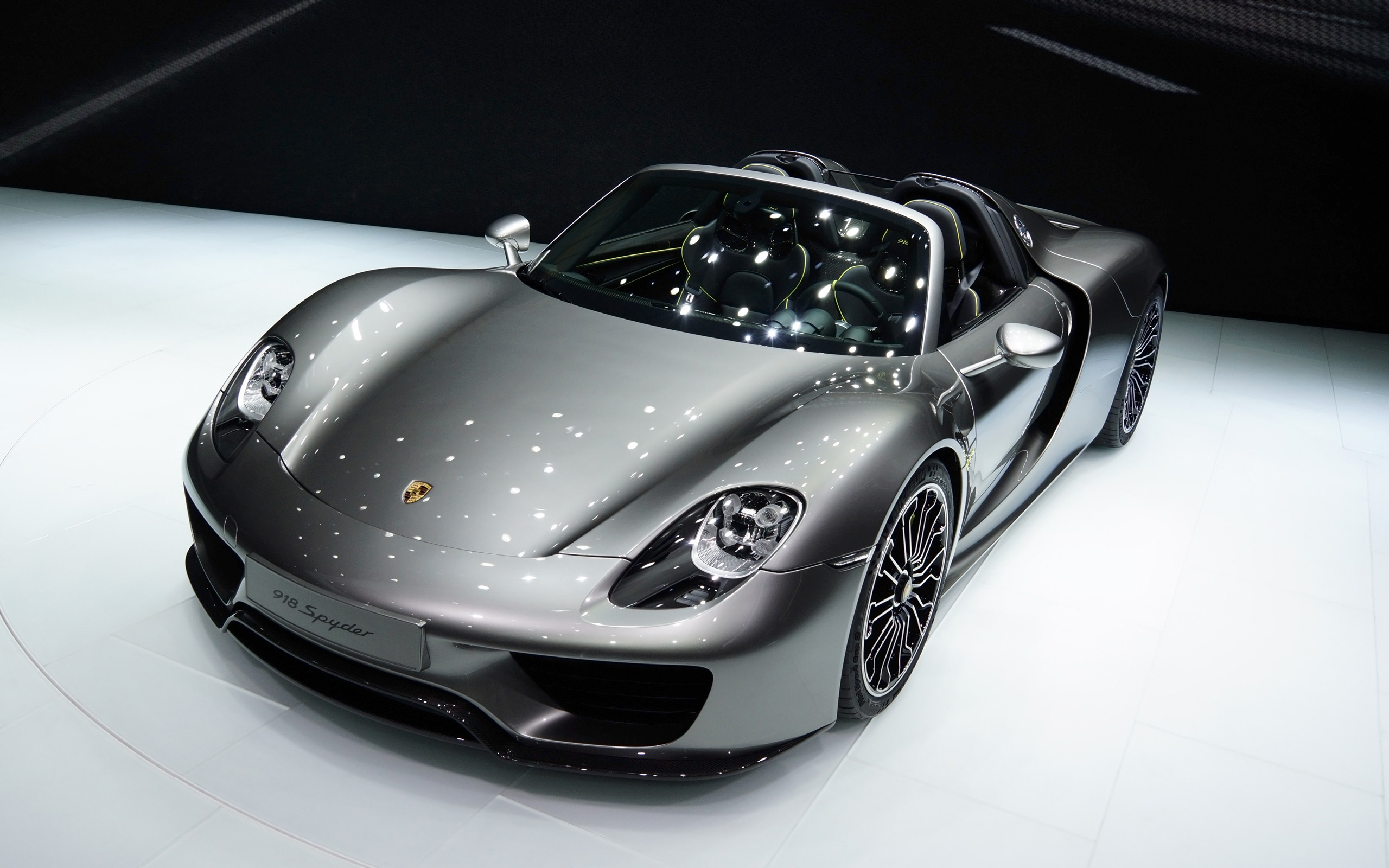 Superšportiak Porsche 918