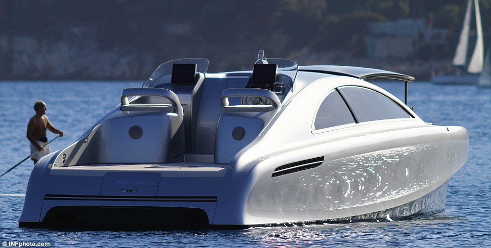 AD-Mercedes-Benz-Arrow-460-Granturismo-Yacht-08