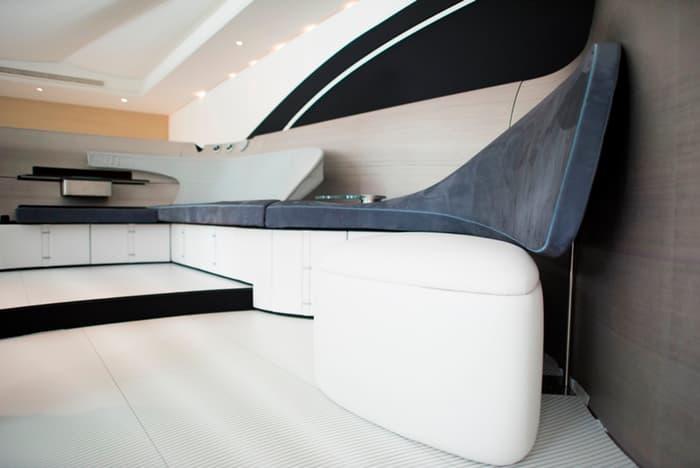 mercedes-benz-arrow460-powerboat-yacht-15