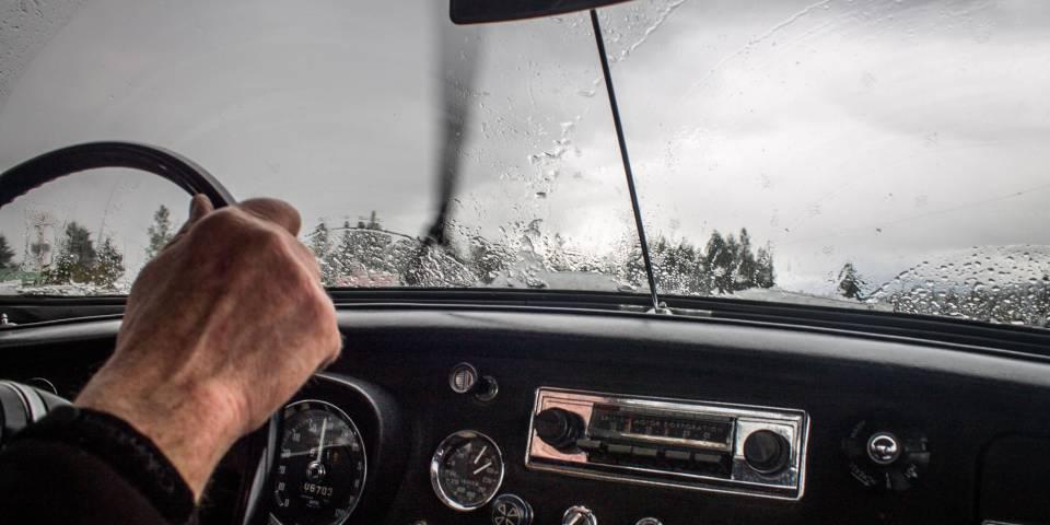 Cestujete autom? Viete si poradiť aj v nepriaznivom počasí?