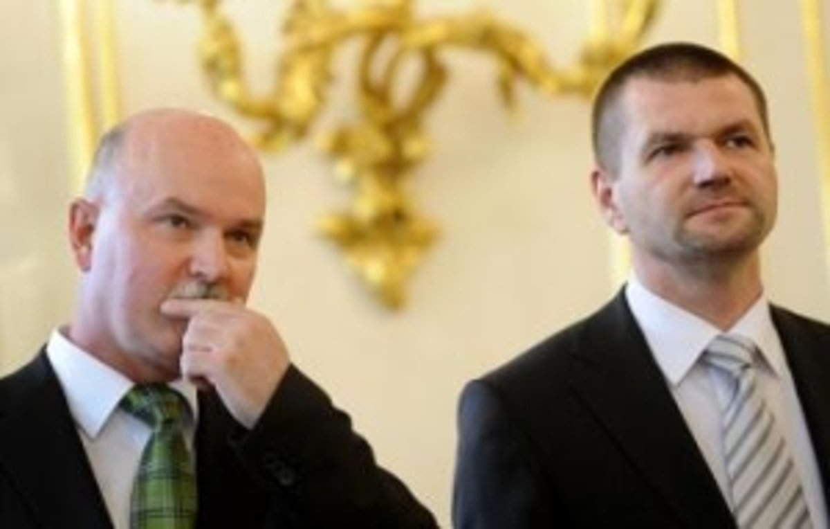 Neuveriteľné! Na Slovensku sme konečne poslali za mreže aj ministrov a hneď na veľmi dlhú dobu