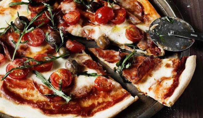 Pizza z panvice