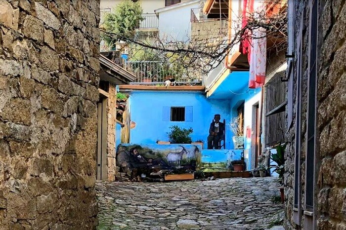 Milujete slnko a teplo? Mestečko na Sardínii predáva domčeky za euro