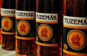 Smútok zachváti české a slovenské bary, cenovo dostupný alkohol zrejme minulosťou