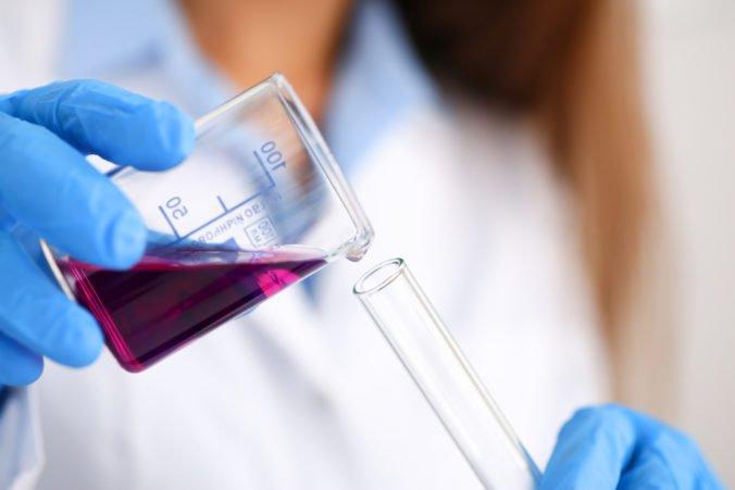 Slovenskí vedci skúmajú obnovu mozgových buniek po mŕtvici, medzi možnosťami sú nanotechonológie