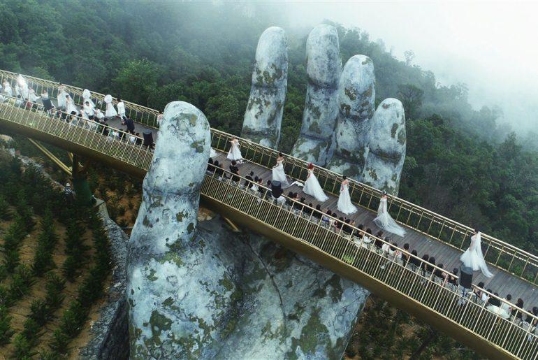 Vietnamské mestečko vyrazilo svetu dych svojim novým mostom