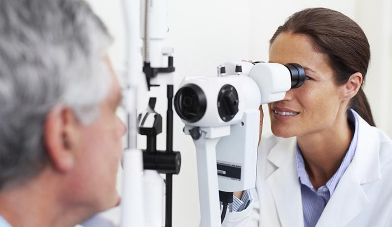Sivý zákal spôsobuje slepotu: Liečba pritom ešte nebola jednoduchšia