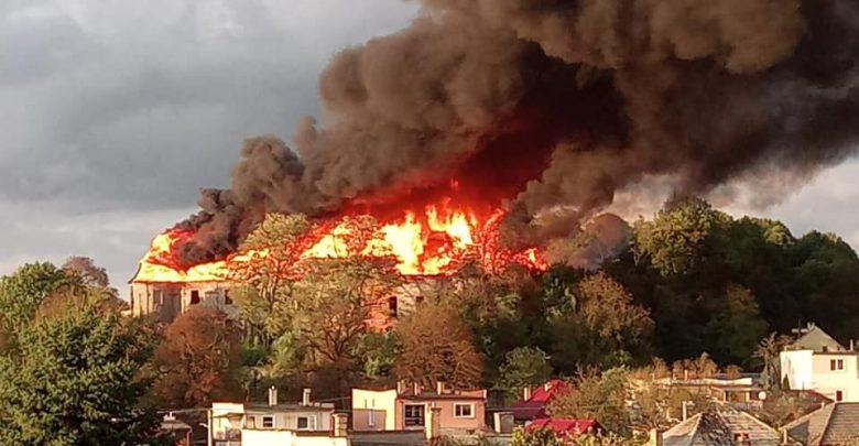 Kultúrna katastrofa! Plamene zničili kaštieľ-rodisko slávnej Levočskej bielej pani