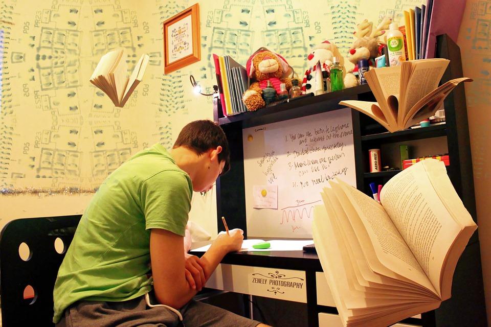 Tipy pre študentov, ktorí nestíhajú písať bakalársku prácu