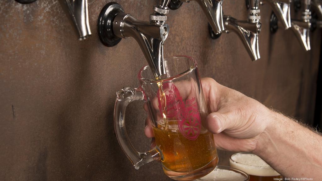 V Indickej bytovke tiekol ľuďom z vodovodu alkohol namiesto vody