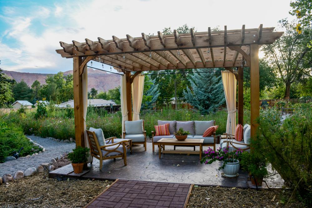Ako vybrať ideálnu pergolu na záhradu alebo terasu?